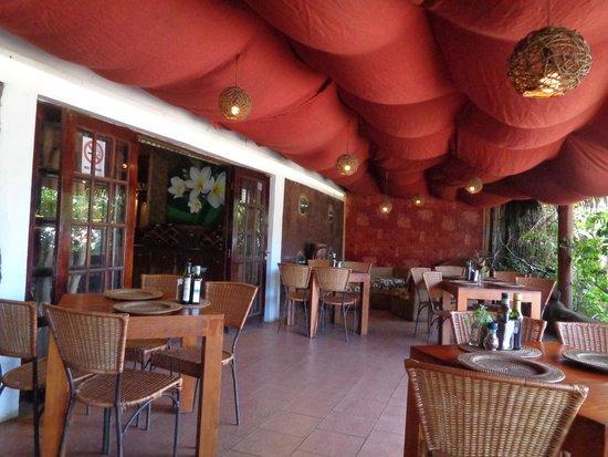 Restaurant Kanahau: terrasse couverte