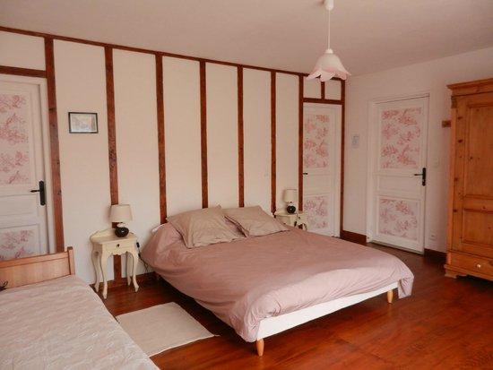 chambre rose la Souleillane