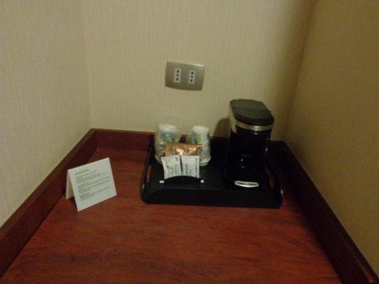 Holiday Inn Santiago Airport: machine à café