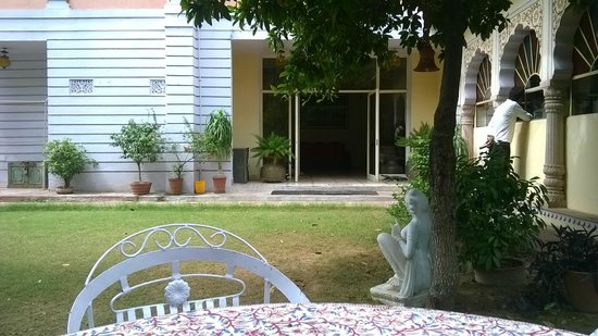 Hotel Anuraag Villa: Dining area