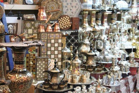 Via Dolorosa (Way of the Cross): bazar di rame