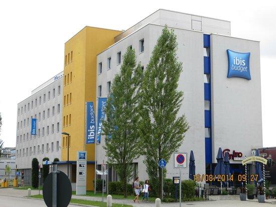 Ibis Budget Munich East Messe: vista hotel