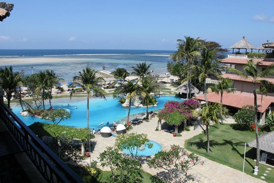 Grand Aston Bali Beach Resort: Awesome pool and beach views