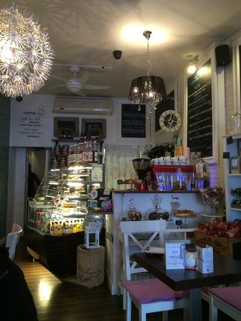 Cafe La Coco: Great food. Cute atmosphere.