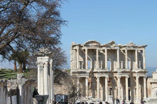 Ancient City of Ephesus: La biblioteca