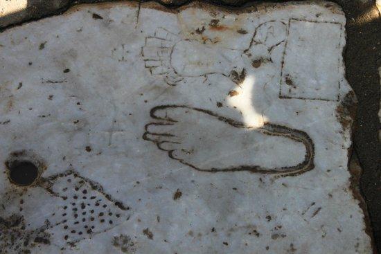 Ancient City of Ephesus: Il segnale che indicava la direzione per le meretrici