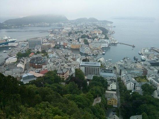 Fjellstua Viewpoint : Vistas desde el mirador de Aksla