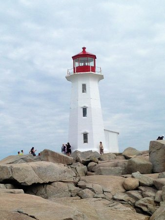 Alicion Bed & Breakfast: Lunaberg - loved the eating places and galleries and ideal for Peggy's cove and surrounding area