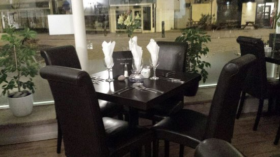 Censi 's Ristorante: open 7 days a week 9-4 and also thursday,Friday,Saturday evenings from 6 til late