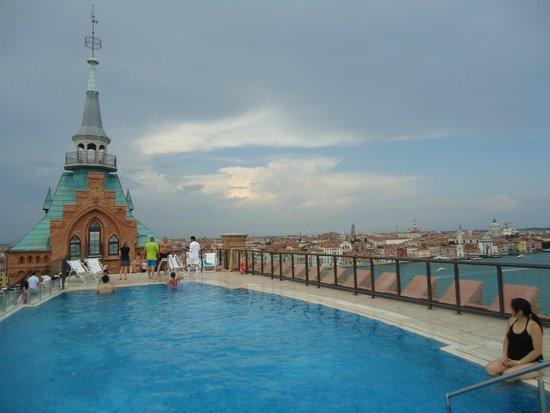 Hilton Molino Stucky Venice Hotel: Con la torre al fondo