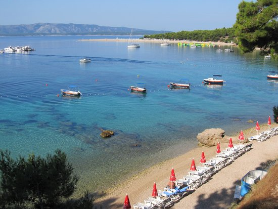 Bluesun Hotel Elaphusa: Spiaggia adiacente all'hotel