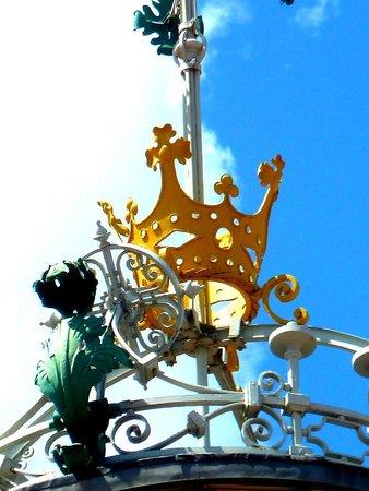 Plaza del Mercado (Plaça del Mercat): Lo stemma esterno