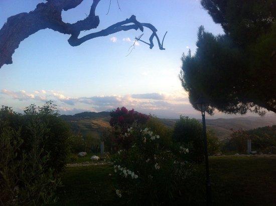 Briciola di Sole: Vista dei monti Sibillini dalla Briciola
