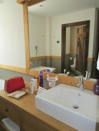 Pineta Naturamente Hotels: Bagno suite Arnica