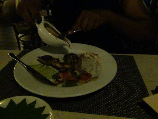 Duangjitt Resort & Spa: dinning at hotel