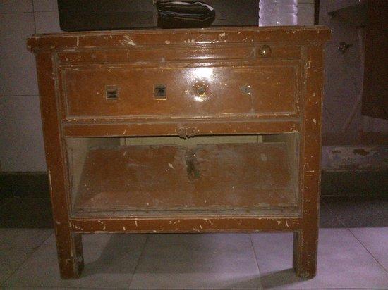 Shanti Lodge: Room Furniture