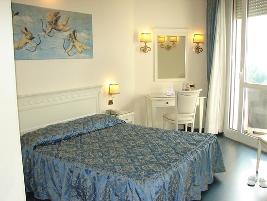 Panoramic Hotel Plaza: Chambre