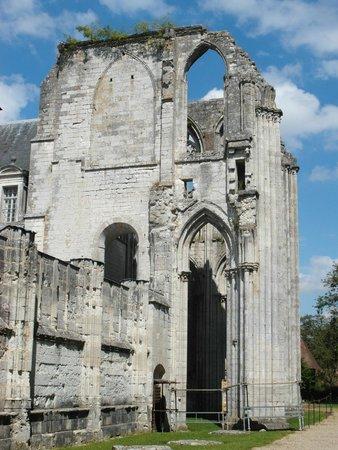 Abbaye de St-Wandrille: Ruderi dell'antica chiesa abbaziale
