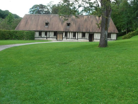 Abbaye de St-Wandrille: Pertinenze dell'abbazia