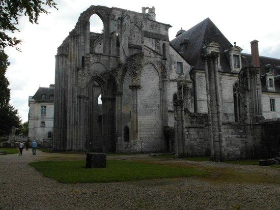 Abbaye de St-Wandrille: Ruderi dell'abbazia originaria