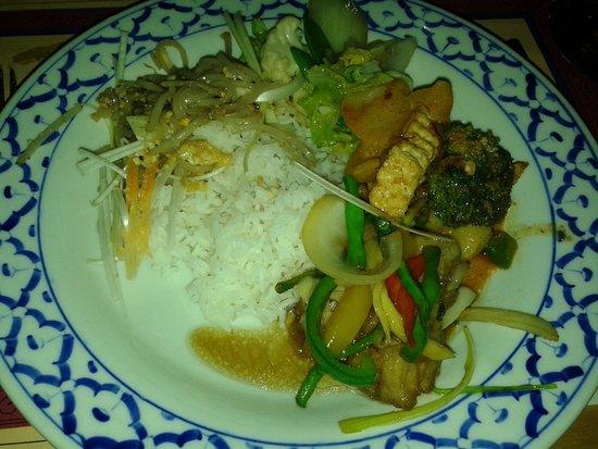 Warunee: Tasty fish and vegetarian food