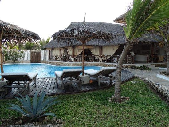 Mawe Resort: SWIMMING POOL