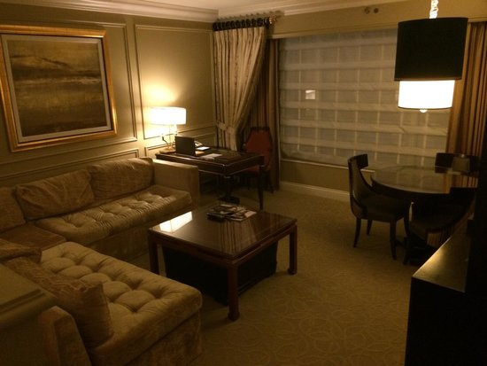 Venetian Resort Hotel Casino: Suite - sitting area.