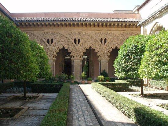 Palacio de la Aljaferia : Patio interior de la Alfajeria