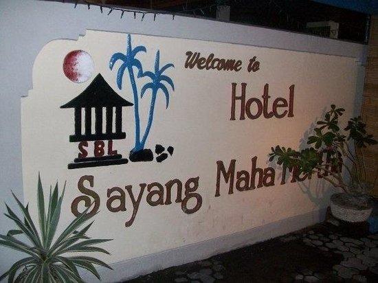 Sayang Maha Mertha: Hotel