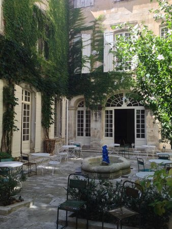 Hotel d'Arlatan: patio