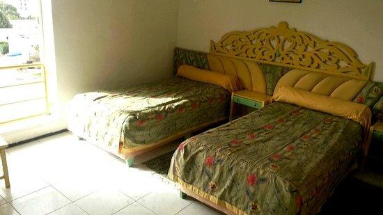 Mabrouk: Single room