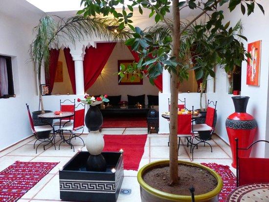 Riad Hcekarram : espace patio