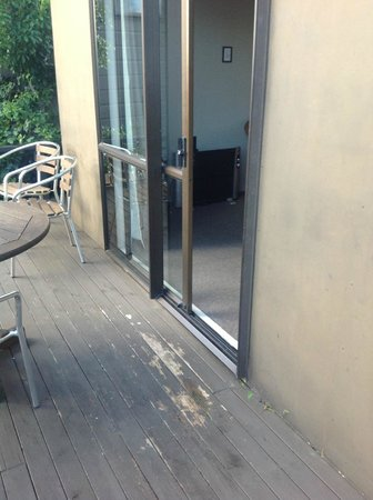Kerikeri Homestead Motel & Apartments: 2 bedroom unit deck
