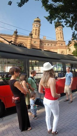 Fungarian: Budapest Public Transportation Tour - What is a Trolleybus?