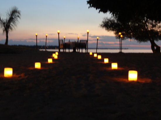 The Oberoi, Lombok: Romantic dinner on the beach