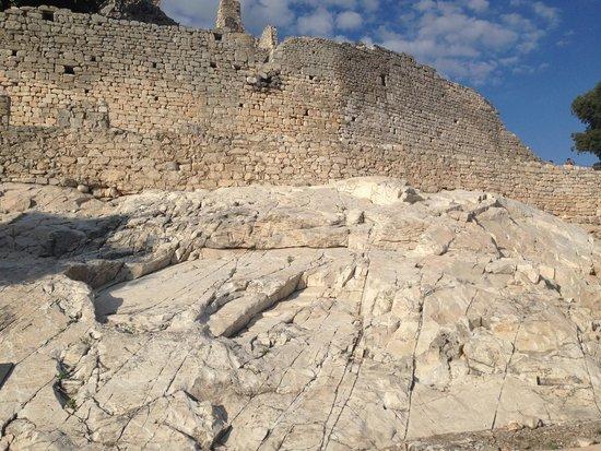 Il Parco Archeominerario di San Silvestro: la splendida rocca