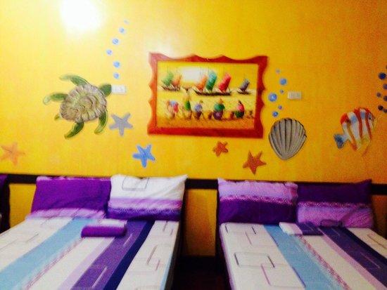 Sigayan Bay Beach Resort: room for 10