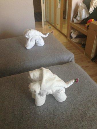 Louis Ledra Beach: Animal Towels