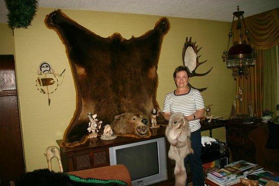 Big Bear Bed & Breakfast : On common area