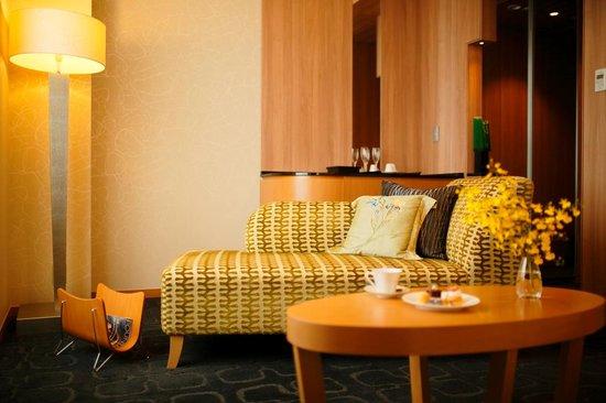 Hotel Nikko Kanazawa : Luxe deluxe hollywood twin bed room