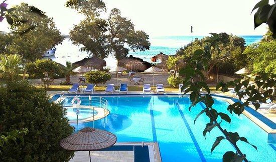 Gundem Resort Hotel: Вид из нашего 2-х местного номера