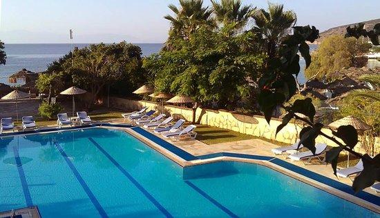 Gundem Resort Hotel: Отдыхающих почему-то мало!