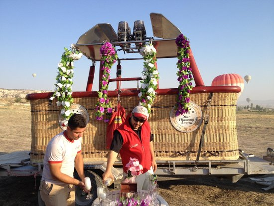 Cappadocia Voyager Balloons: Champagne to celebrate