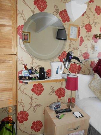 Ellan Vannin Hotel: Room