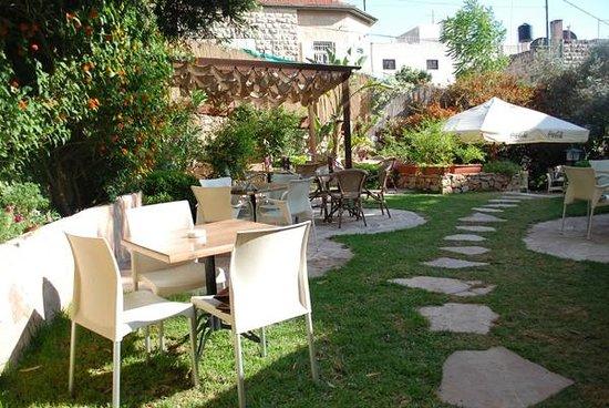 Royal Court Hotel Outdoor Garden Restaurant And Bar