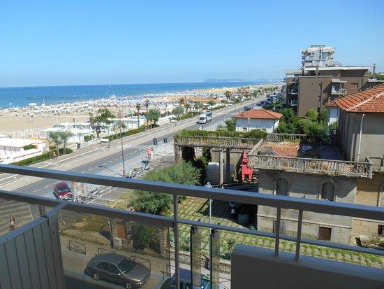 Hotel Touring: vista mare laterale da camera classic plus piano secondo