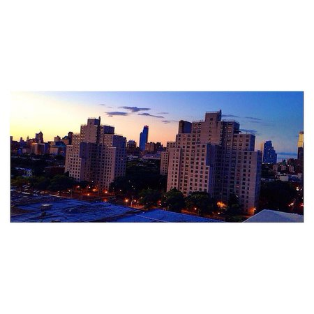 Fairfield Inn & Suites New York Brooklyn: Sunset from the roof top