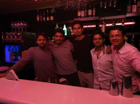 Lemon Tree Premier, Ulsoor Lake, Bengaluru: fell like bartenders