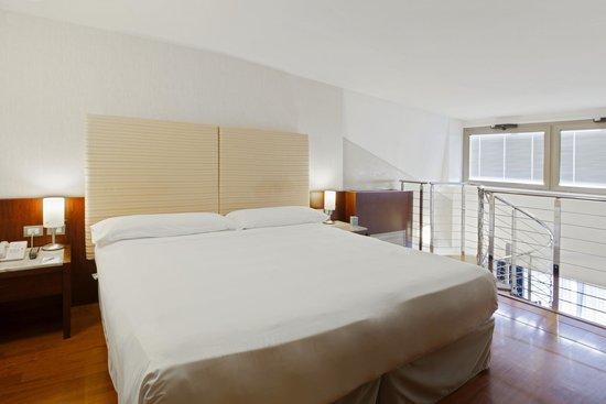 NH Roma Leonardo da Vinci: Guest Room - 2-Floor Suite