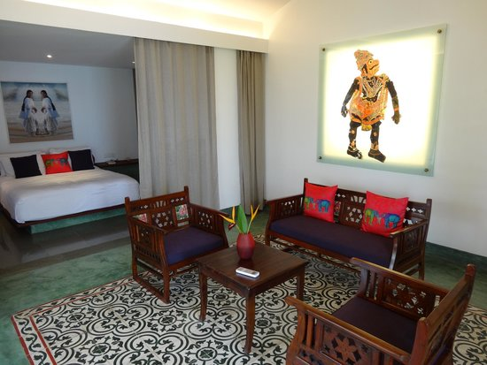 Purity at Lake Vembanad: Another view of the room
